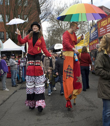 2 clowns on stilts